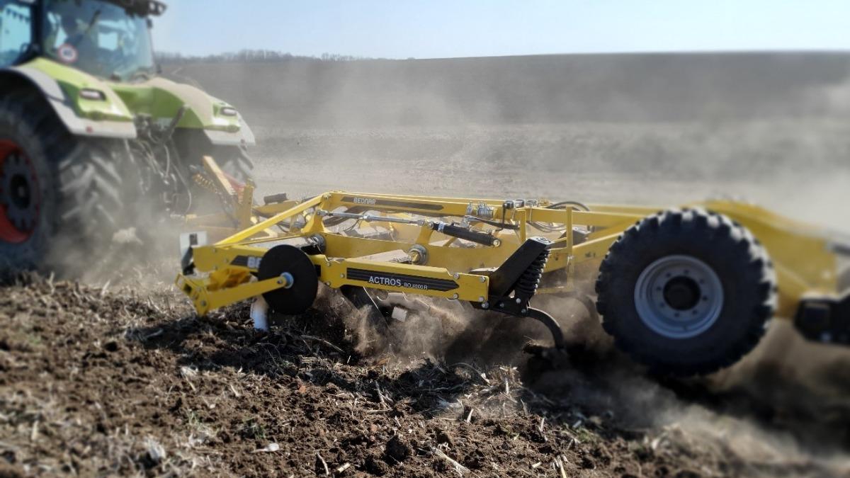 BEDNAR увійшов до трійки кращих імпортерів ґрунтообробної техніки
