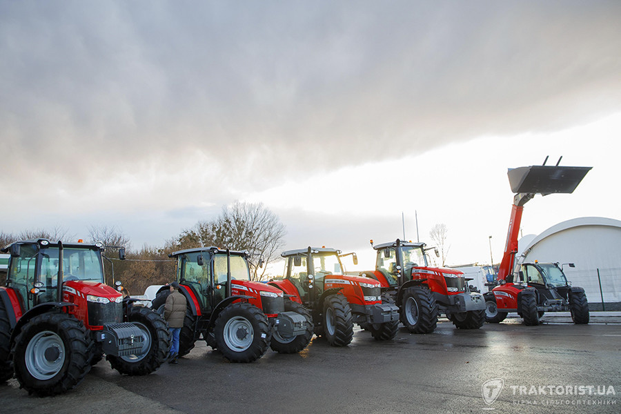 Трактори та телескопічні навантажувачі Massey Ferguson