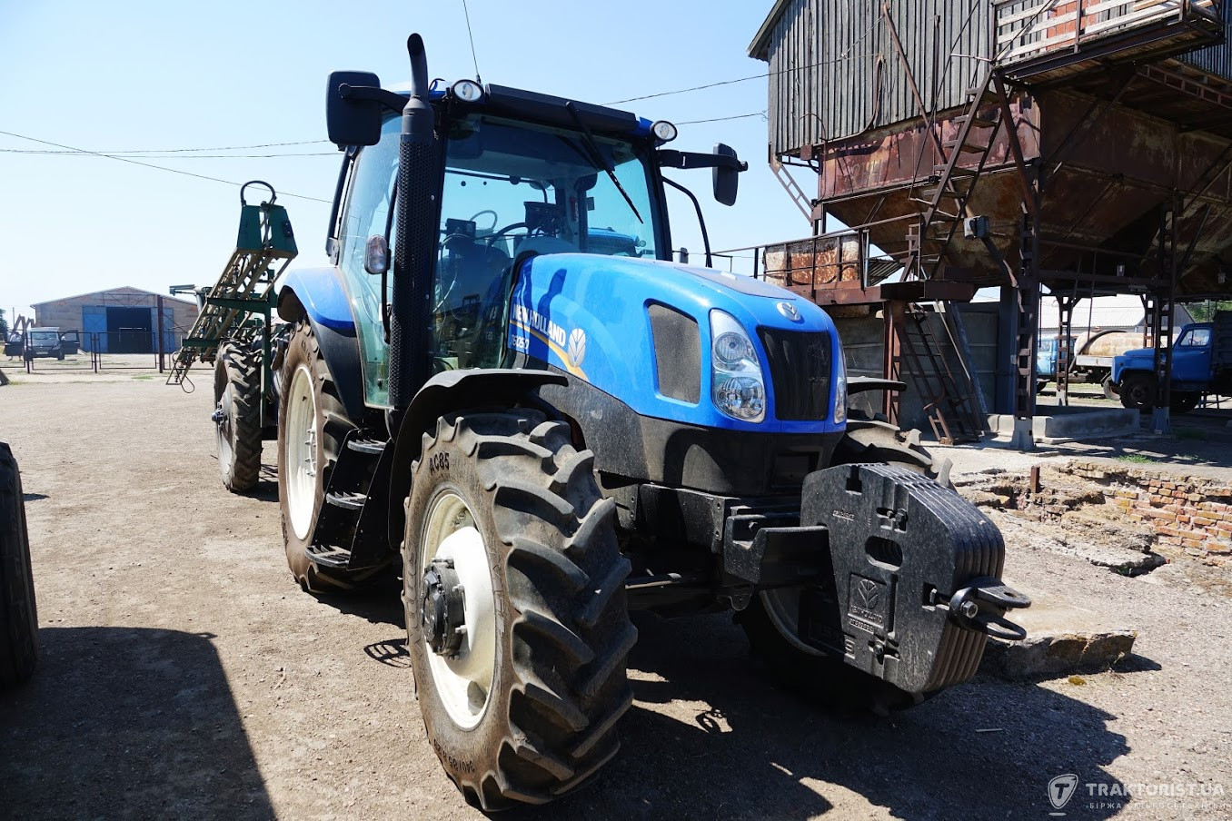 Трактор New Holland T6