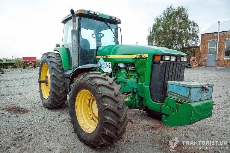 Трактор John Deere 8400 в техпарку LNZ Group