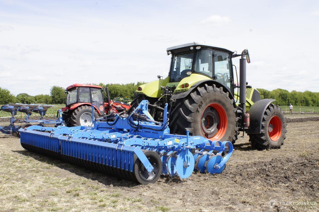 Дискова борона Lemken Heliodor 9/600 K в агрегатуванні з трактором Claas