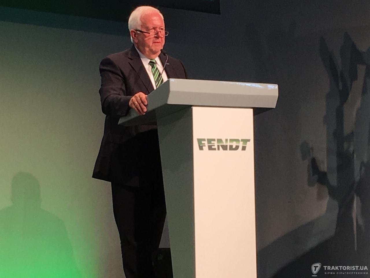 Віце-президент і виконавчий директор компанії Fendt Петер-Йозеф Паффен під час презентації
