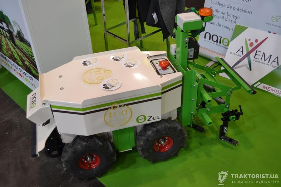 Механічний агро-робот Oz Naïo